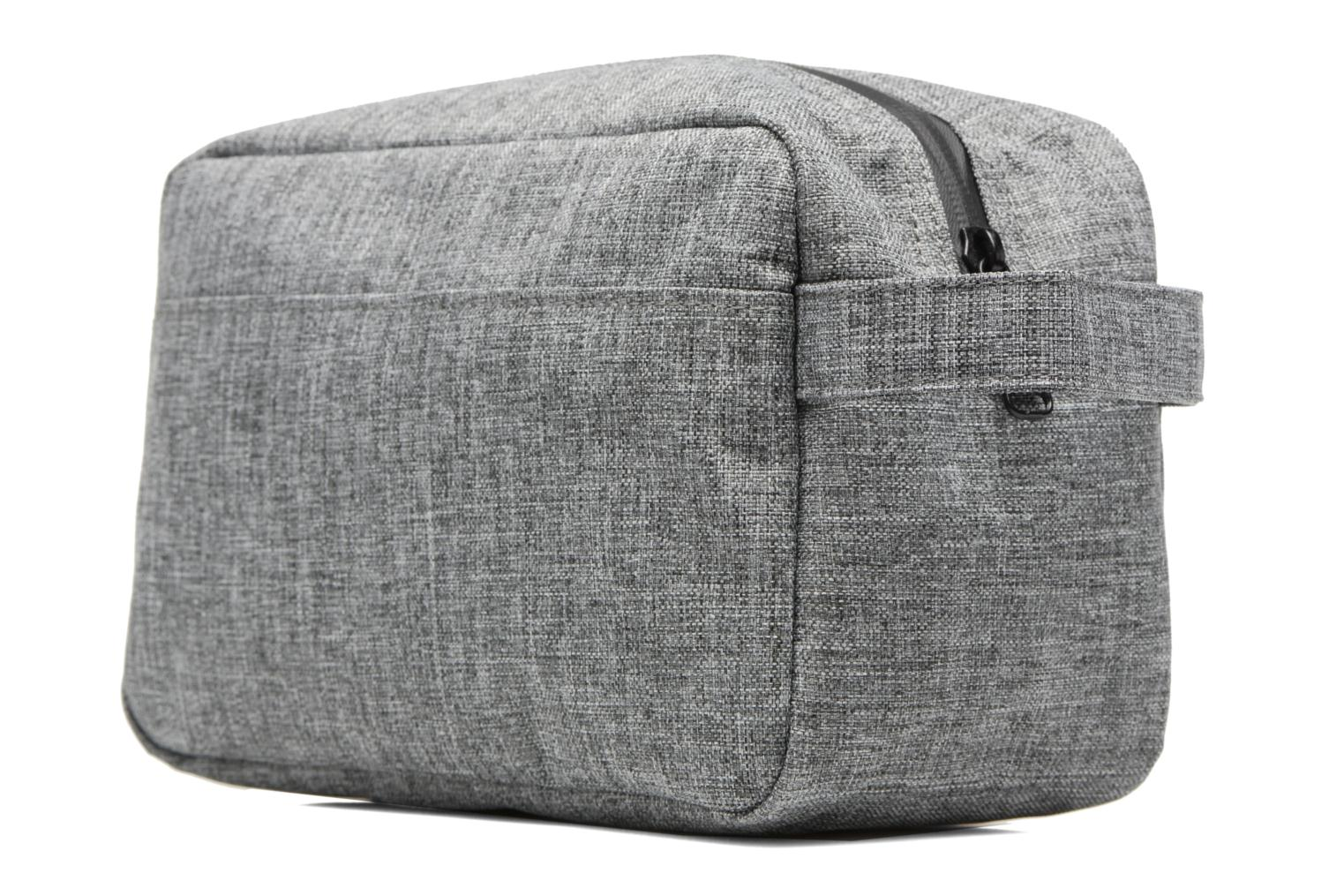 Luggage Herschel Chapter Grey view from the right