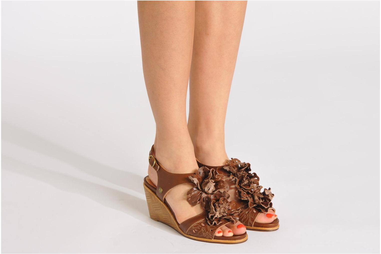 Sandales et nu-pieds Neosens Noah 229 Marron vue bas / vue portée sac
