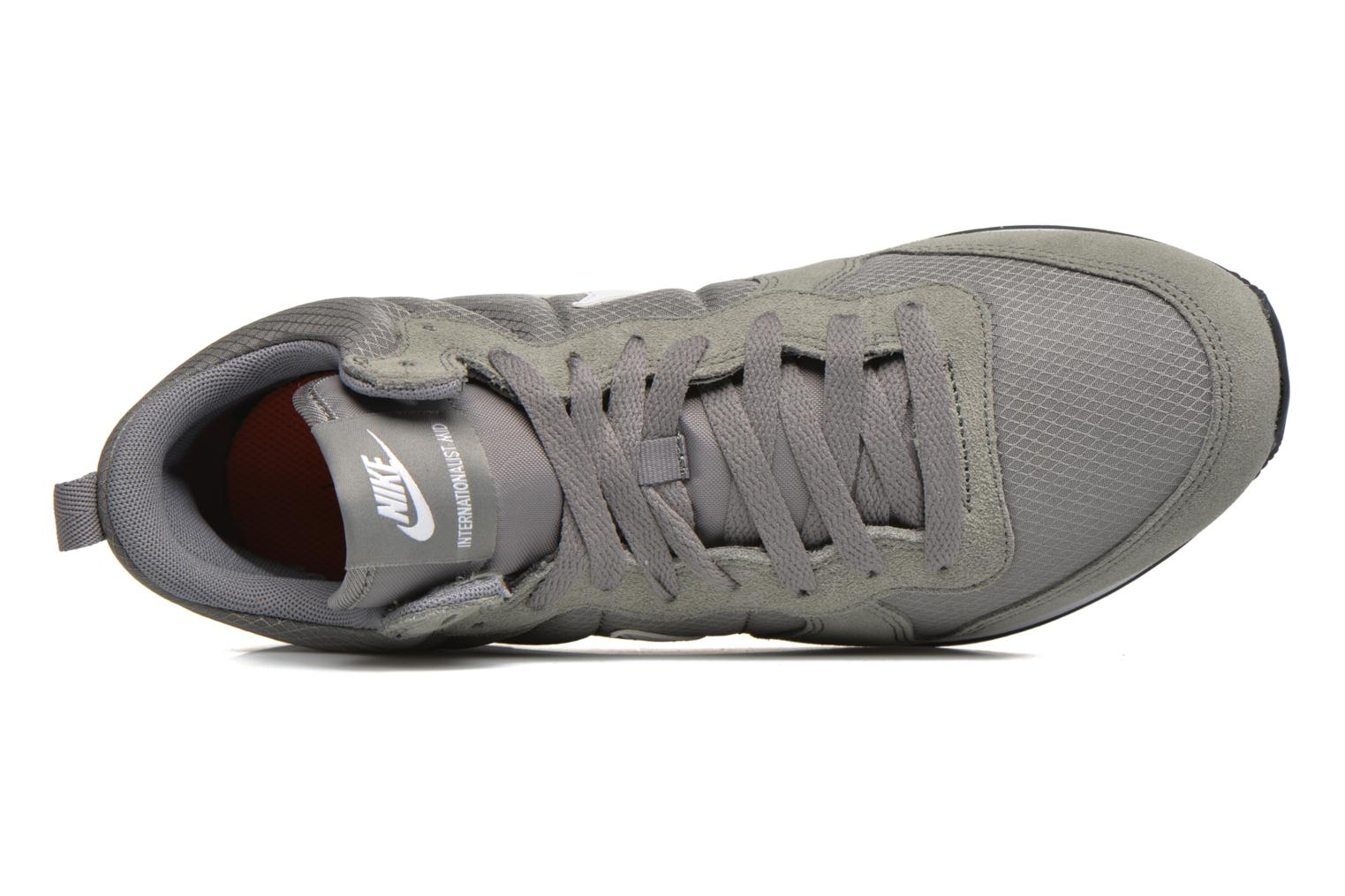 Trainers Nike Nike Internationalist Mid Grey view from the left