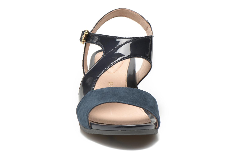 Sandales et nu-pieds Stonefly Sweet II 21 Bleu vue portées chaussures
