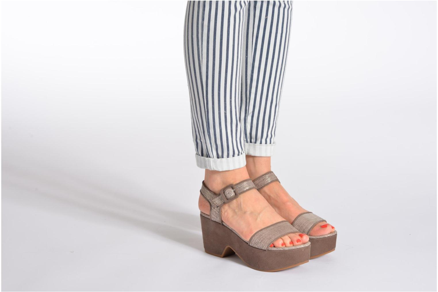 Sandals Unisa Nefer Beige view from underneath / model view