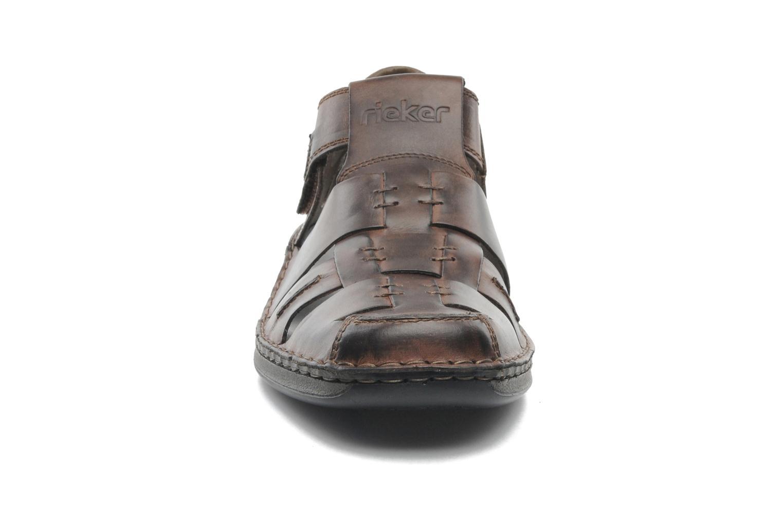 Sandalen Rieker Barry 05275 braun schuhe getragen