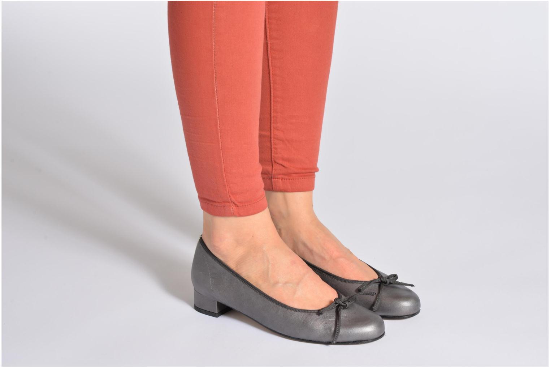 Ballerinas Elizabeth Stuart Josy 371 orange ansicht von unten / tasche getragen