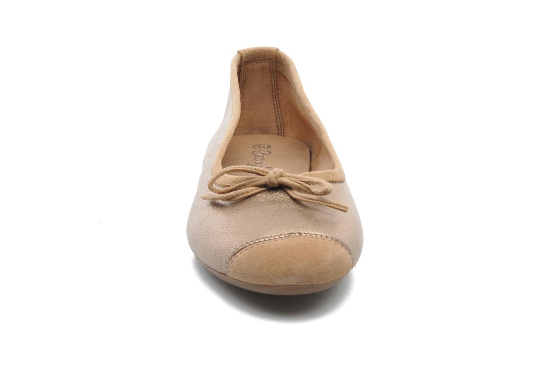 Ballerines Coco et abricot Belline Or et bronze vue portées chaussures