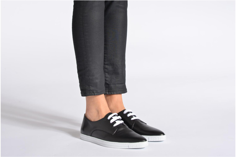 Sneaker Swear Donna 2 weiß ansicht von unten / tasche getragen
