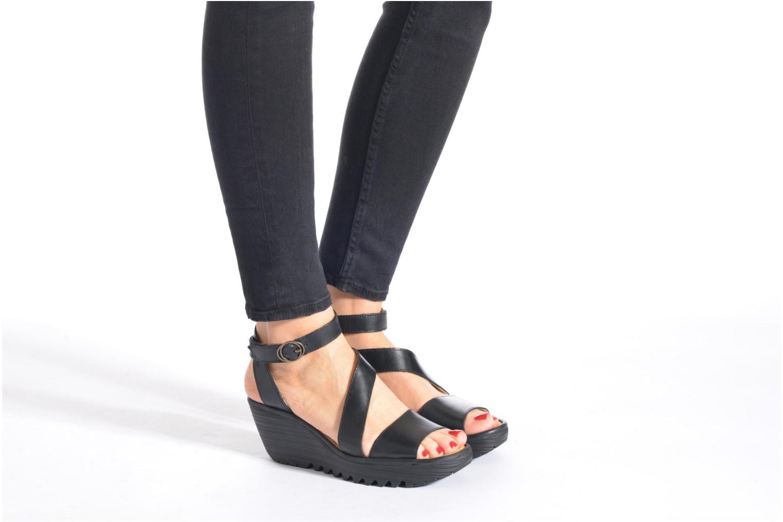 Sandales et nu-pieds Fly London Yesk Noir vue bas / vue portée sac