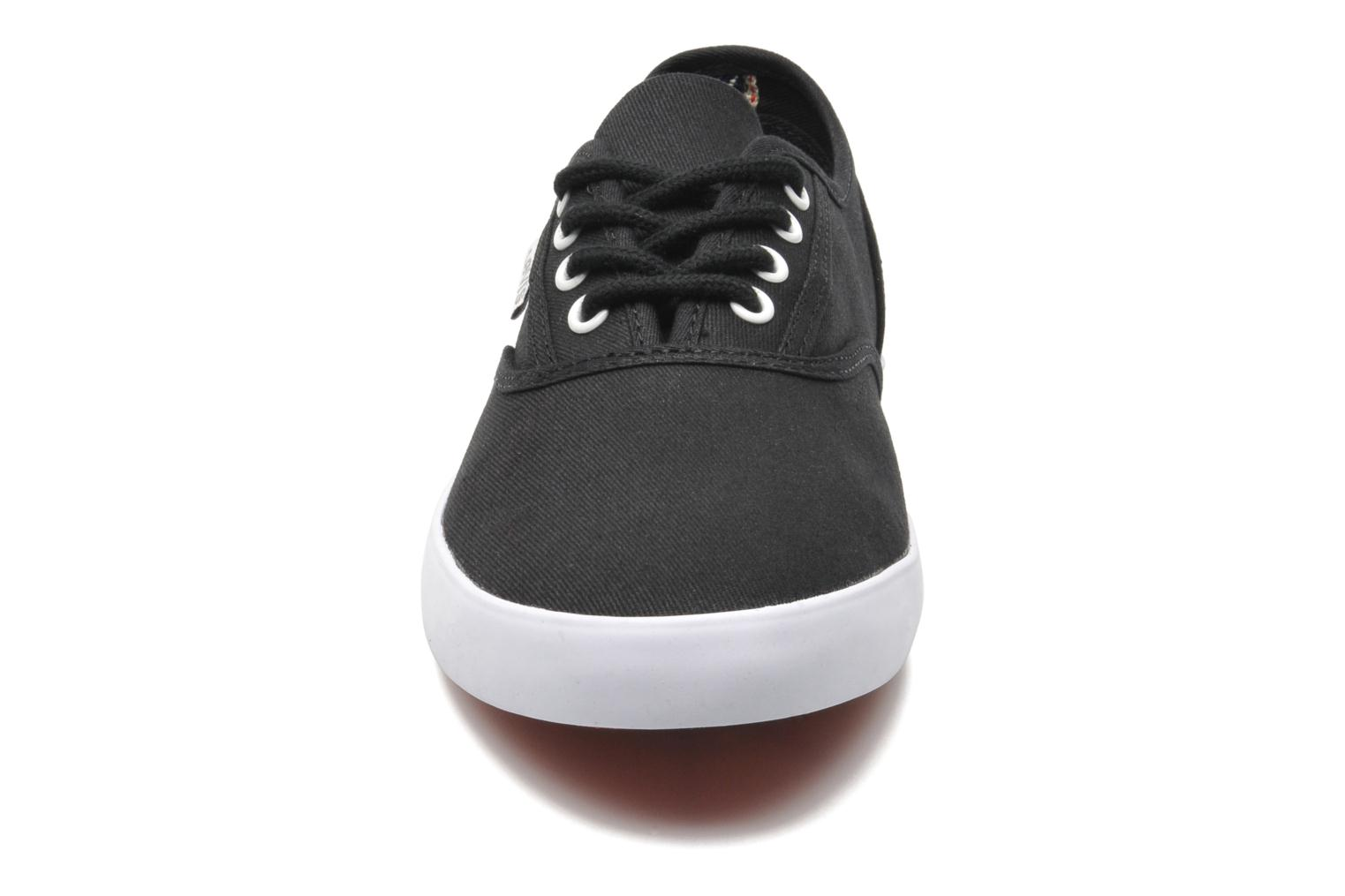 Trainers Levi's Palmdale Lace Up Black model view