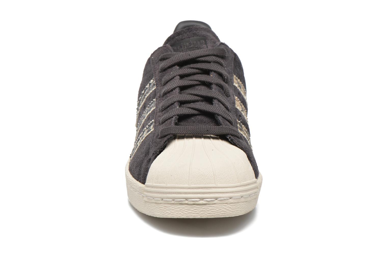 Sneaker Adidas Originals Superstar 80S W schwarz schuhe getragen