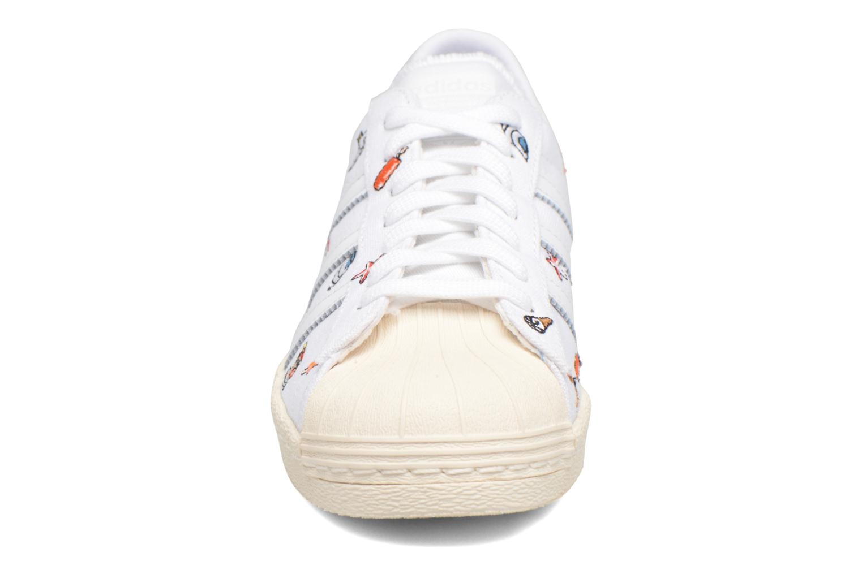 Sneaker Adidas Originals Superstar 80S W weiß schuhe getragen