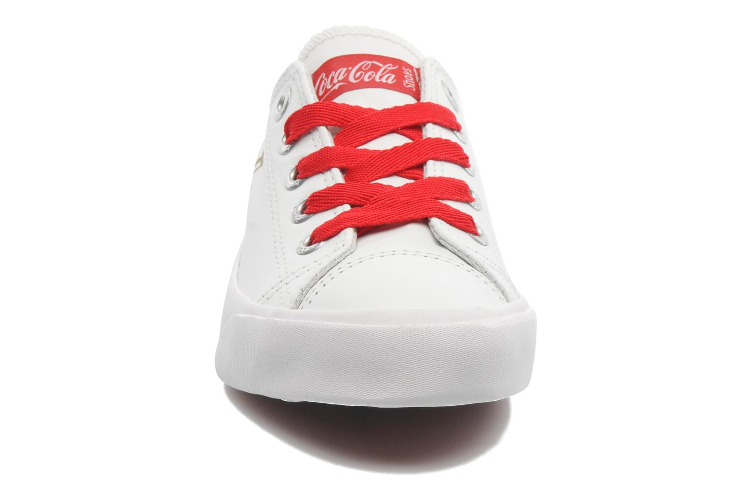 Trainers Coca-cola shoes Plain leather Low White model view