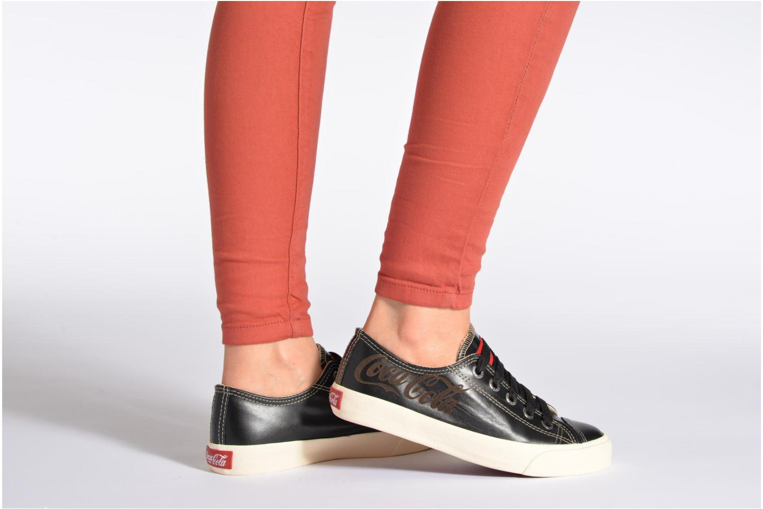 Trainers Coca-cola shoes Plain leather Low Black view from underneath / model view
