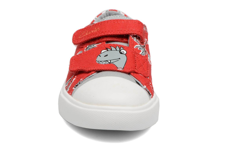 Baskets Clarks Tricer Roar Rouge vue portées chaussures