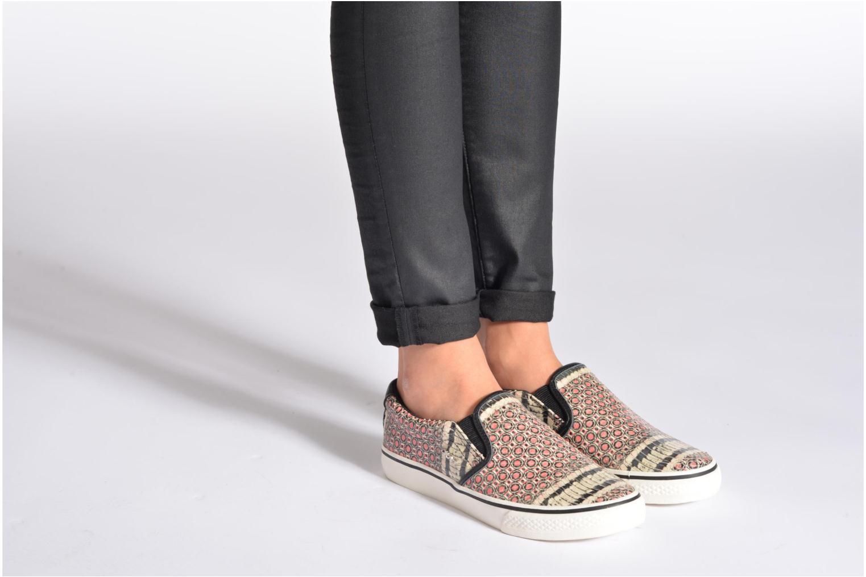 Sneaker DKNY Beth mehrfarbig ansicht von unten / tasche getragen