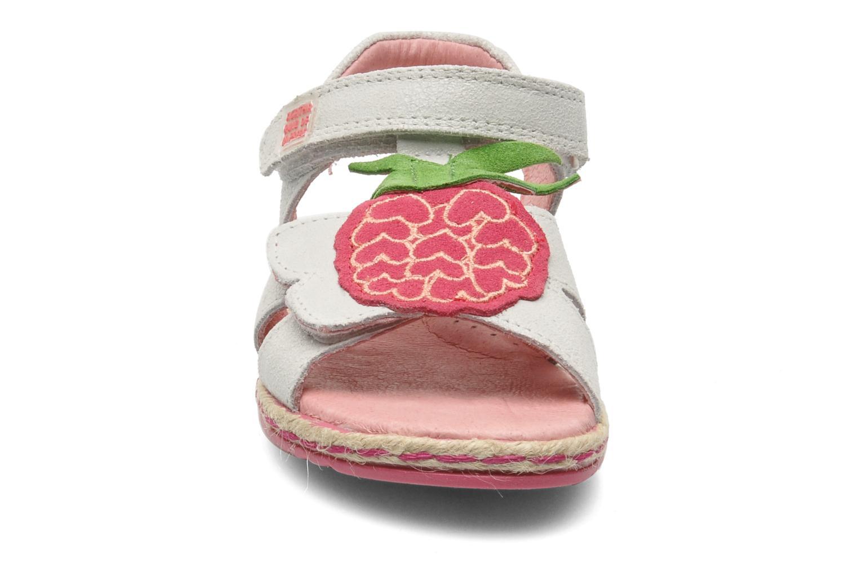 Sandaler Agatha Ruiz de la Prada Piña Grå se skoene på