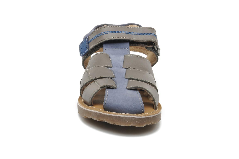 Sandales et nu-pieds Mod8 RODRIGO Gris vue portées chaussures