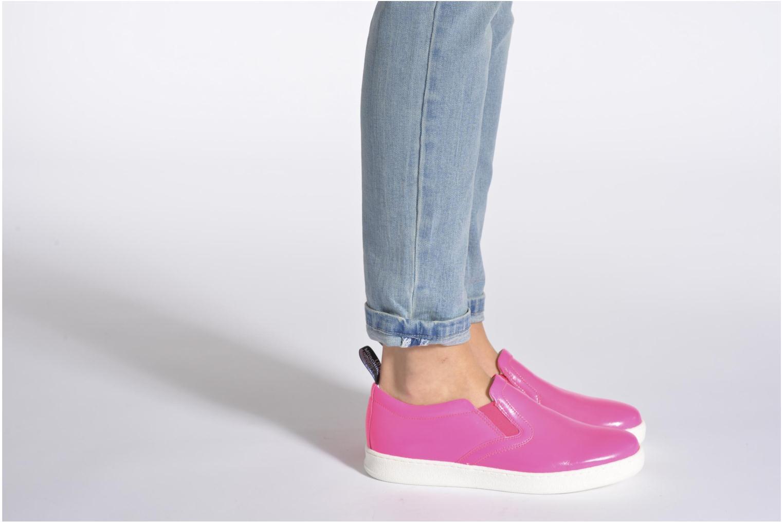 Sneaker Love Moschino Love Tasha rosa ansicht von unten / tasche getragen