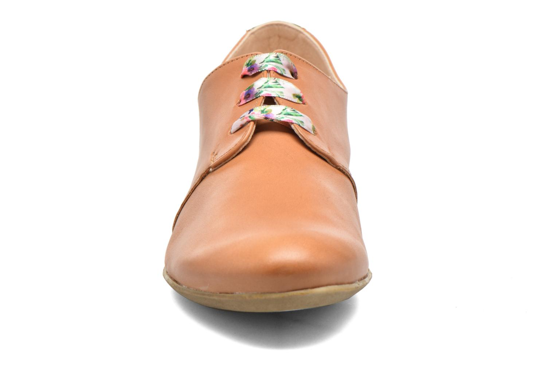 Schnürschuhe Dorking Candy 5058 braun schuhe getragen