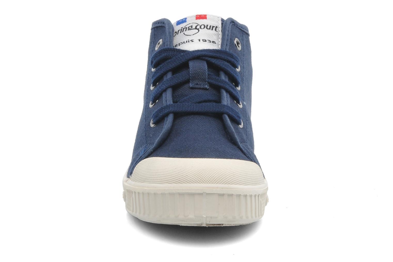 Sneakers Spring Court BE1 Classic Azzurro modello indossato