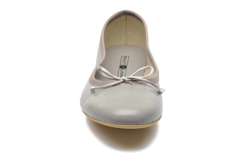 Ballerinas Sweet Lemon L.18.RABLA grau schuhe getragen