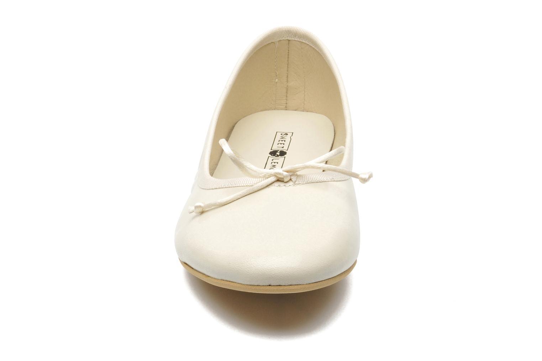 Ballerines Sweet Lemon L.18.RABLA Beige vue portées chaussures