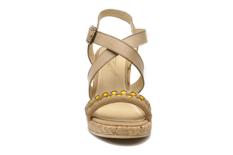 Sandaler Schmoove Woman Santa Tribe Beige se skoene på