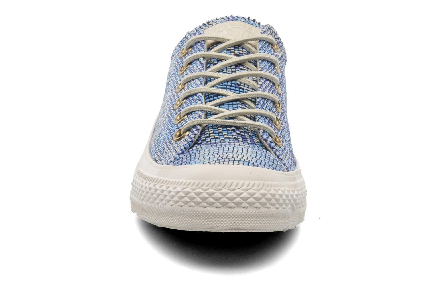 Sneakers Converse Chuck Taylor All Star Basket Weave Ox W Multicolore modello indossato