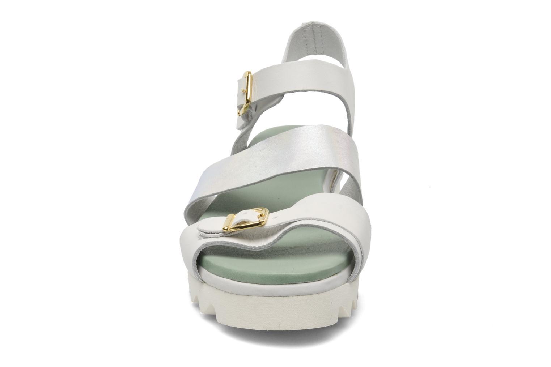 Sandales et nu-pieds Dolfie Nina Blanc vue portées chaussures