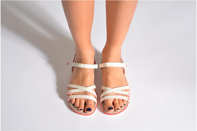 Sandales et nu-pieds TBS Rosita Blanc vue bas / vue portée sac