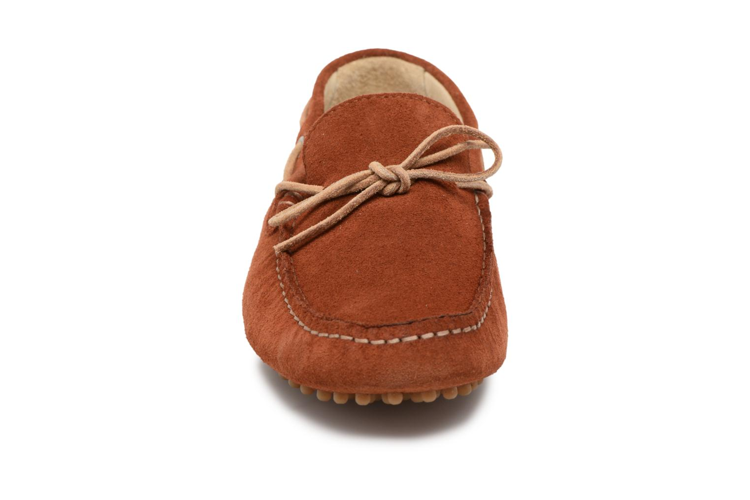 Loafers Kost Tapalo Brown model view