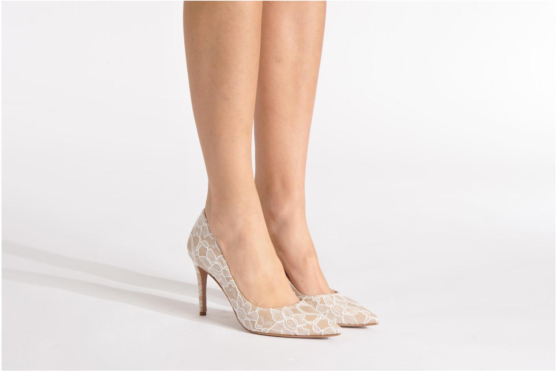 High heels Pura Lopez Escarpin mariée Beige view from underneath / model view