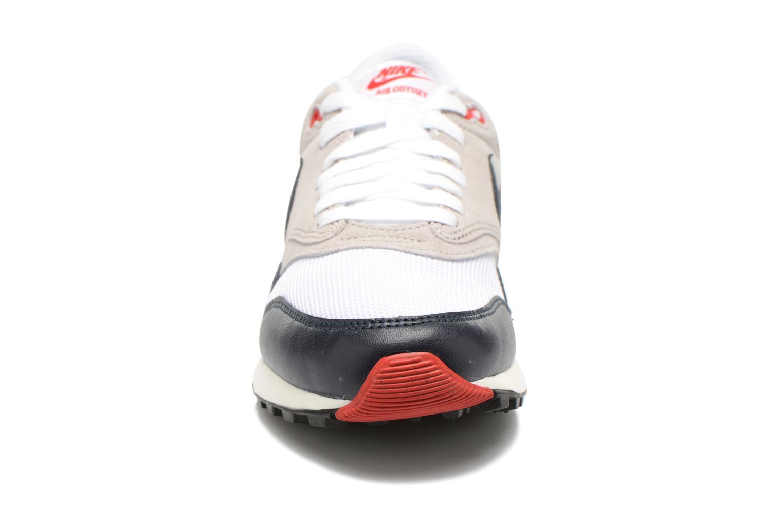 Baskets Nike Nike Air Odyssey Blanc vue portées chaussures