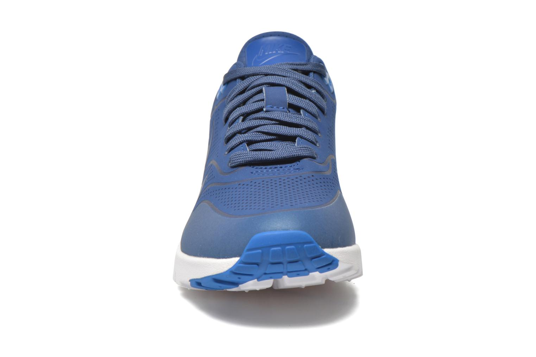 Baskets Nike Wmns Air Max 1 Ultra Moire Bleu vue portées chaussures