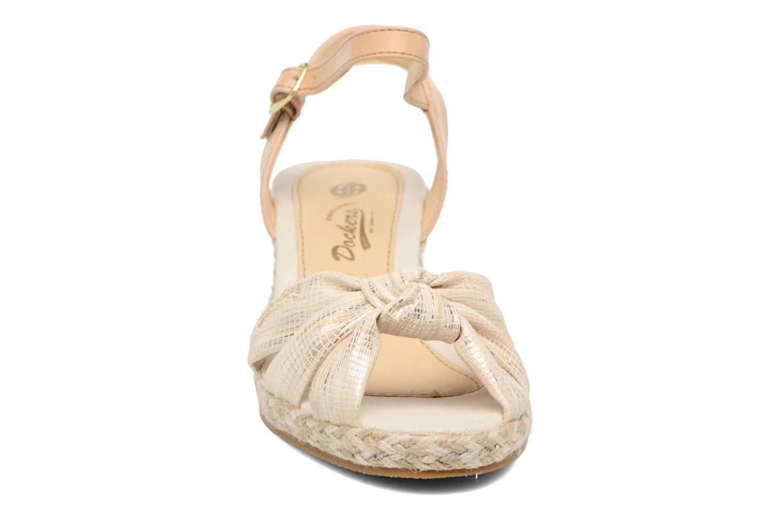 Sandales et nu-pieds Dockers Jekky Or et bronze vue portées chaussures