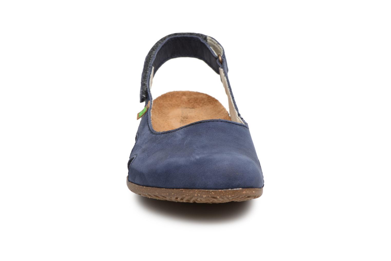 Mules et sabots El Naturalista Wakataua N413 Bleu vue portées chaussures