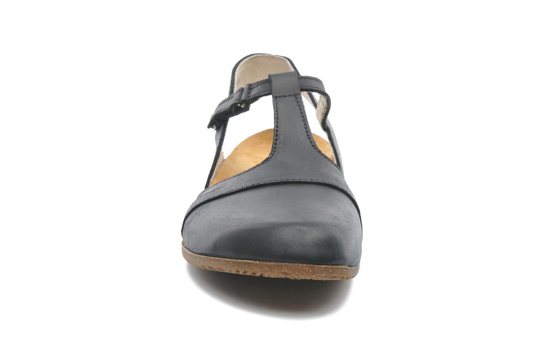 Sandales et nu-pieds El Naturalista Wakataua ND72 Noir vue portées chaussures