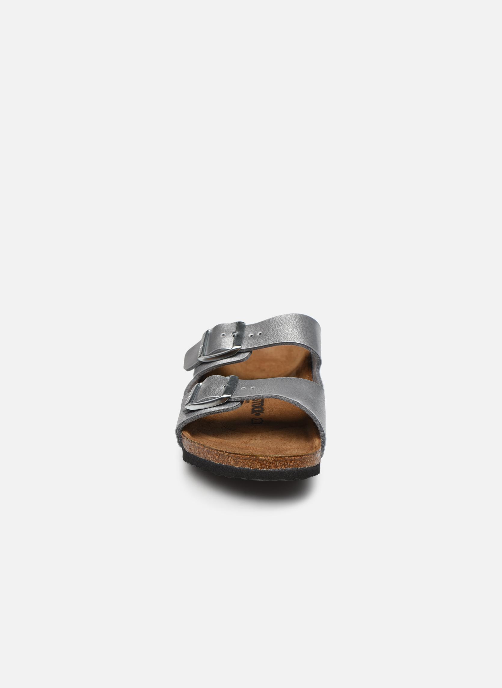 Sandalen Birkenstock Arizona Birko-Flor silber schuhe getragen