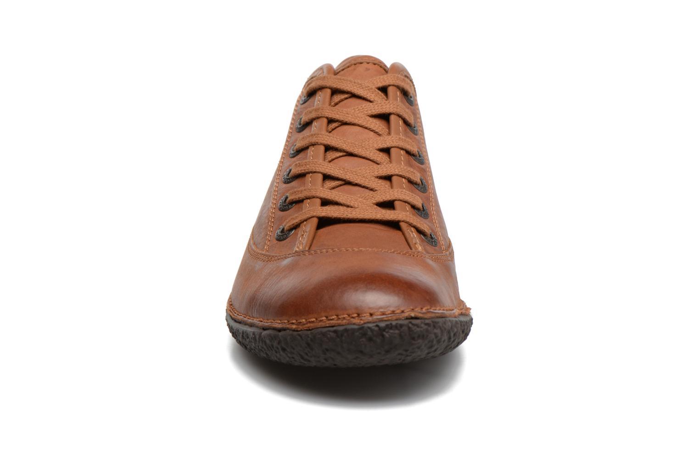 Schnürschuhe Kickers Hollyday braun schuhe getragen