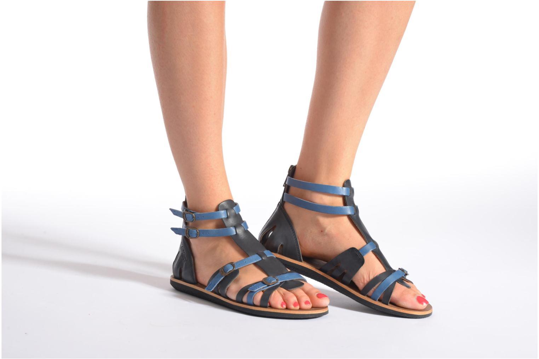 Sandales et nu-pieds Kickers Spartiaten Noir vue bas / vue portée sac