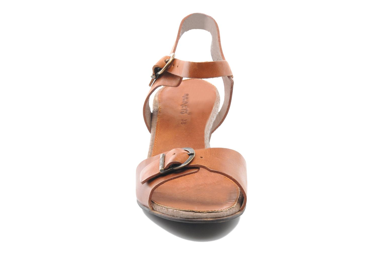 Sandales et nu-pieds Kickers Seatdown Marron vue portées chaussures