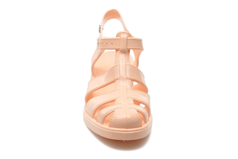 Sandaler Méduse Nikita Orange se skoene på