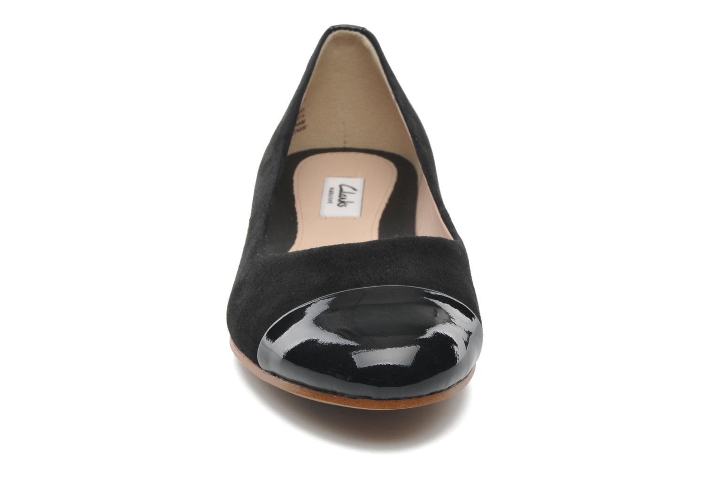 Ballerines Clarks Festival Gold Noir vue portées chaussures
