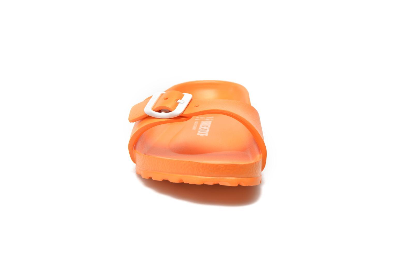 Mules et sabots Birkenstock Madrid EVA W Orange vue portées chaussures