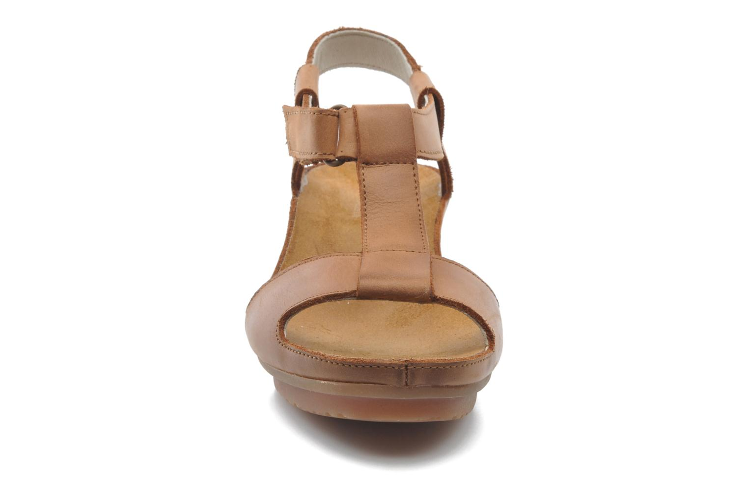 Sandals El Naturalista Code ND21 Brown model view