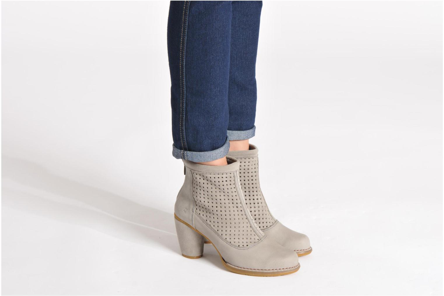 Ankle boots El Naturalista Colibri N467 Black view from underneath / model view