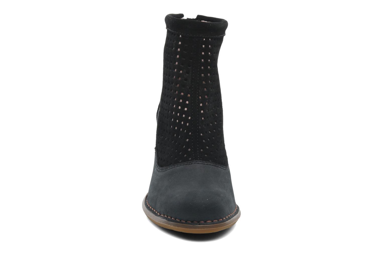 Ankle boots El Naturalista Colibri N467 Black model view