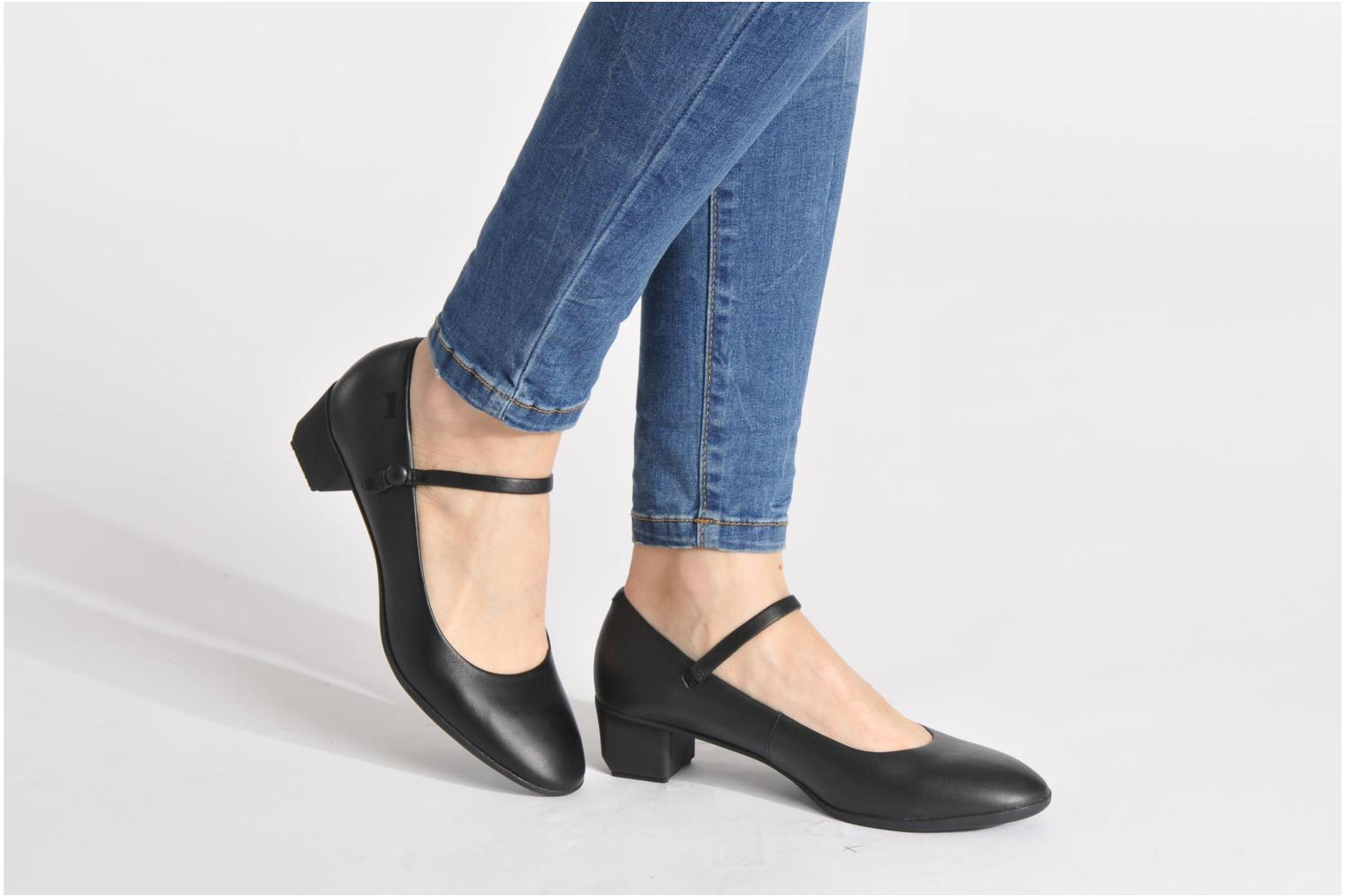 Beth 22110 Supersoft Negro/Elisa Negro