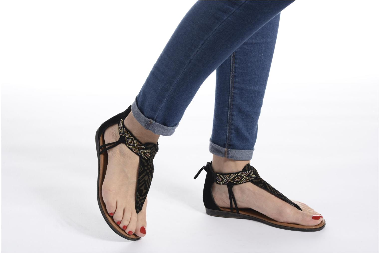 Sandalen Minnetonka Antigua braun ansicht von unten / tasche getragen