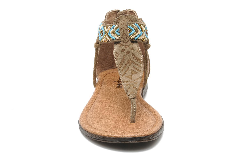 Sandales et nu-pieds Minnetonka Antigua Marron vue portées chaussures