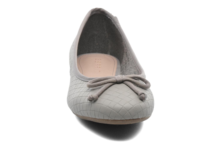 Ballerinas Esprit Karen Woven 007 grau schuhe getragen