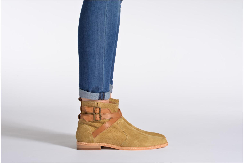 Bottines et boots H By Hudson Tab Beige vue bas / vue portée sac